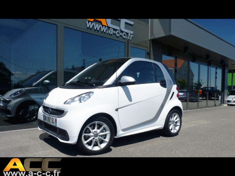 smart fortwo coupe electrique softouch hors batterie automobiles coup s et cabriolets acc. Black Bedroom Furniture Sets. Home Design Ideas