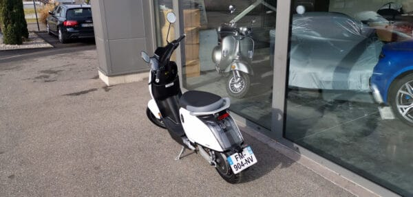 Location sans permis Scooter Super soco CUX [tag]