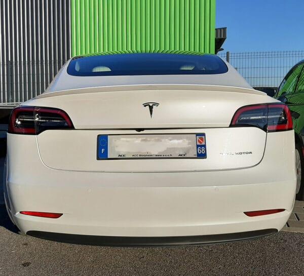 """Extérieur Becquet arrière """"Look Perf"""" en  ABS pour Tesla Model 3 aileron"""